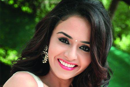 Amruta Khanvilkar Marathi cine Actress Latest Photo Shoot: