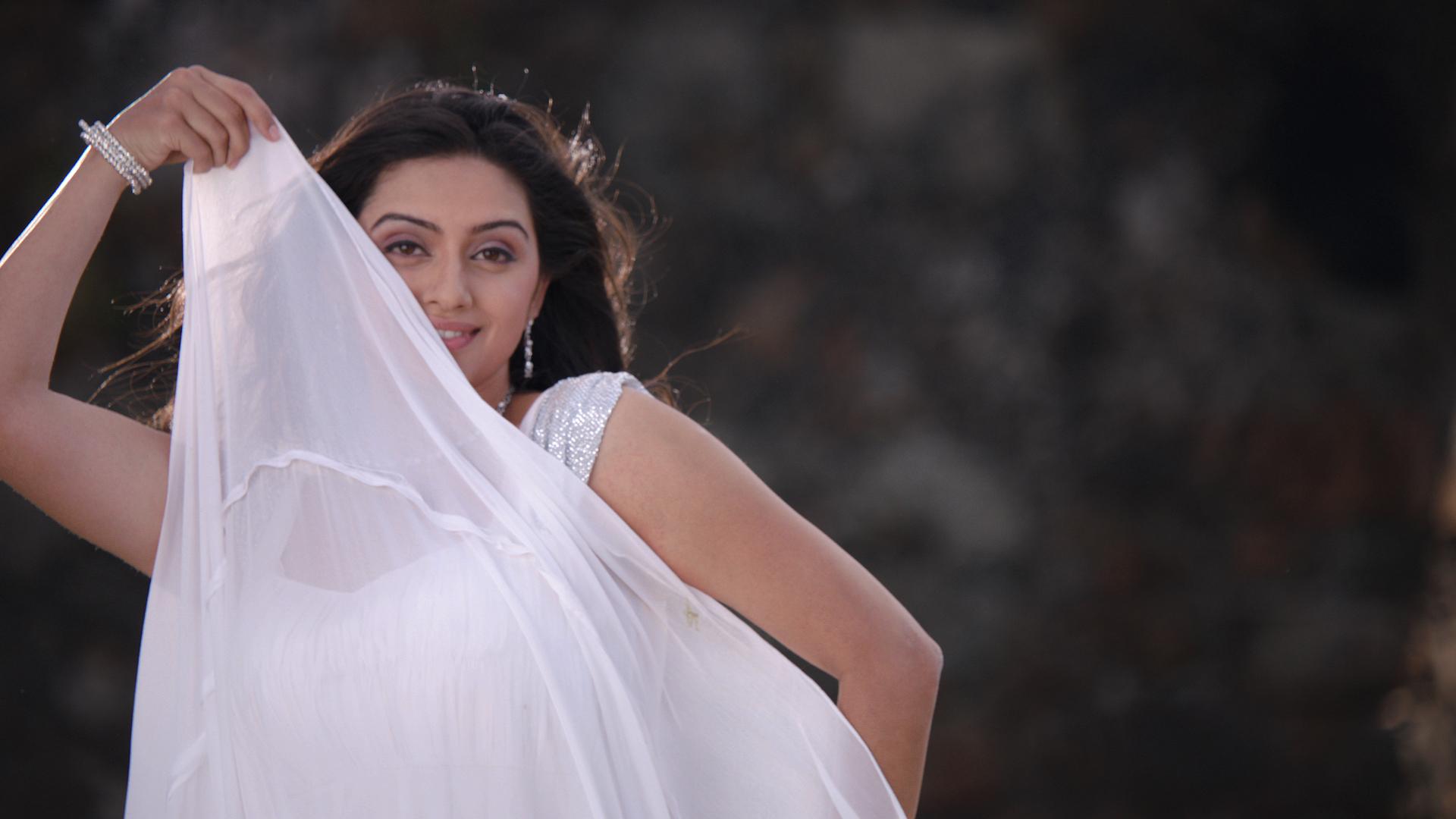 shruti-marathe-marathi-actress-in-saree-latest-photo-shoot4